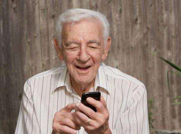 京东推长辈智能手机做拜年神器