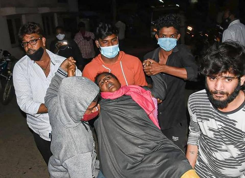 印度超450人感染神秘怪病 专家:罪魁祸首可能是农药