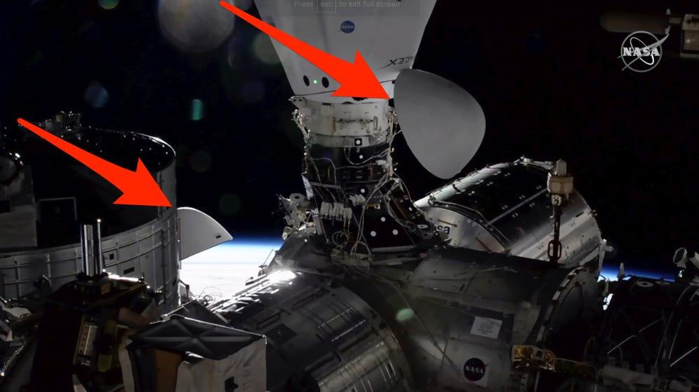 """史上首次:两艘""""龙""""飞船同时与国际空间站对接"""