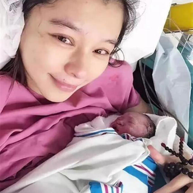 为保下孩子,打了300多针保胎针的徐若瑄,她的儿子如今怎样