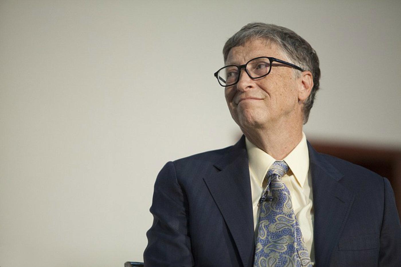 比尔·盖茨谈埃博拉病毒:目前人类没有一套可以使用的系统来应对疫情 | CEO说
