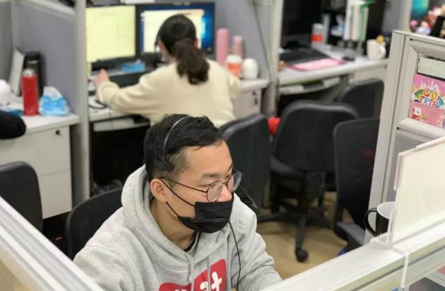 疫情阻断春节出游:1天10万通电