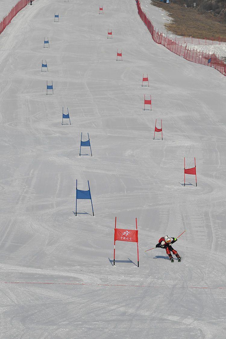 迎冬奥 雪场练兵 延庆京张大众滑雪交流赛开赛