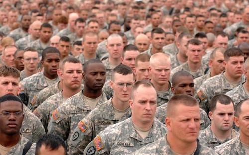 美伊冲突吓到了美国民众:大量青年逃避兵役,害怕被派到中东送死