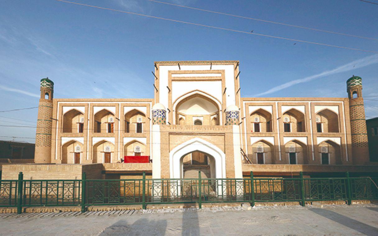 中国援助乌兹别克斯坦花剌子模州遗迹修复项目完成图片