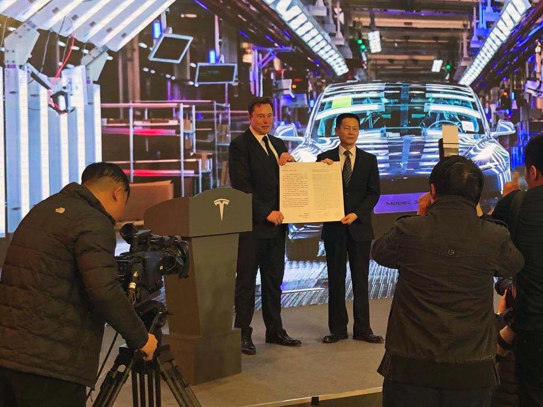马斯克:将继续增加大量投资,未来在中国生产更多车型图片