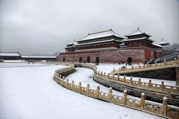 ▲1月5日晚,北京迎来2020年首场降雪。图为1月6日拍摄的北京故宫雪景。(新华社)
