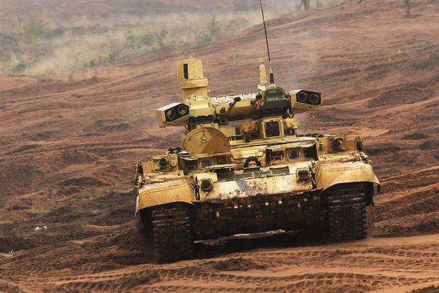 打破传统模式,世界首款俄装甲支援车亮相,成最强火力支援