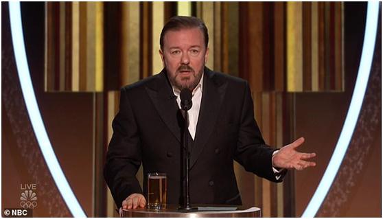瑞奇•热维斯在颁奖礼上(图源:NBC)
