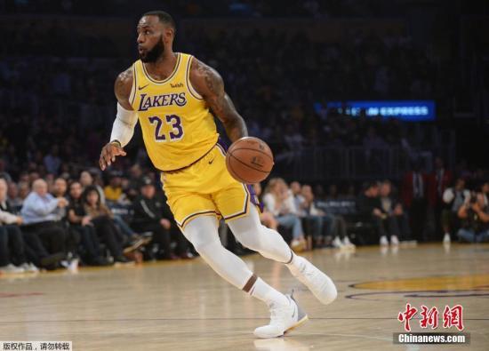 NBA常规赛:安东尼准绝杀猛龙湖人大胜尼克斯