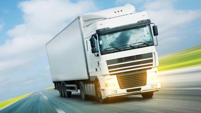 """面包车装了近一吨羊腿上高架……一个月查获""""客载货""""违法1.6万余起"""