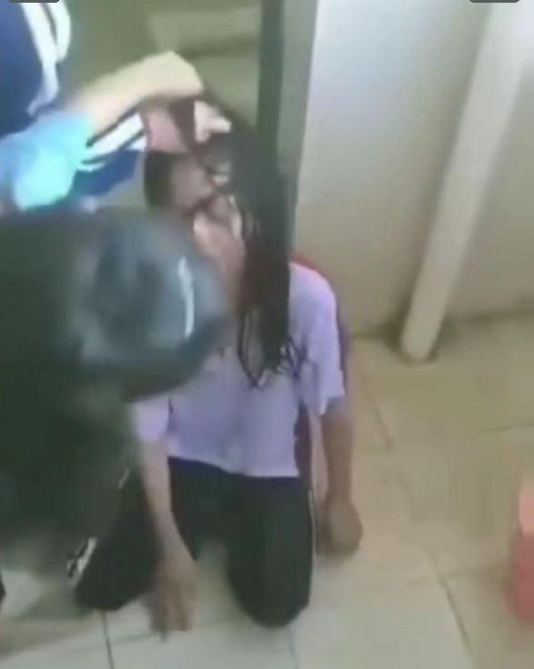 海南乐东一小学女生遭8名女同学