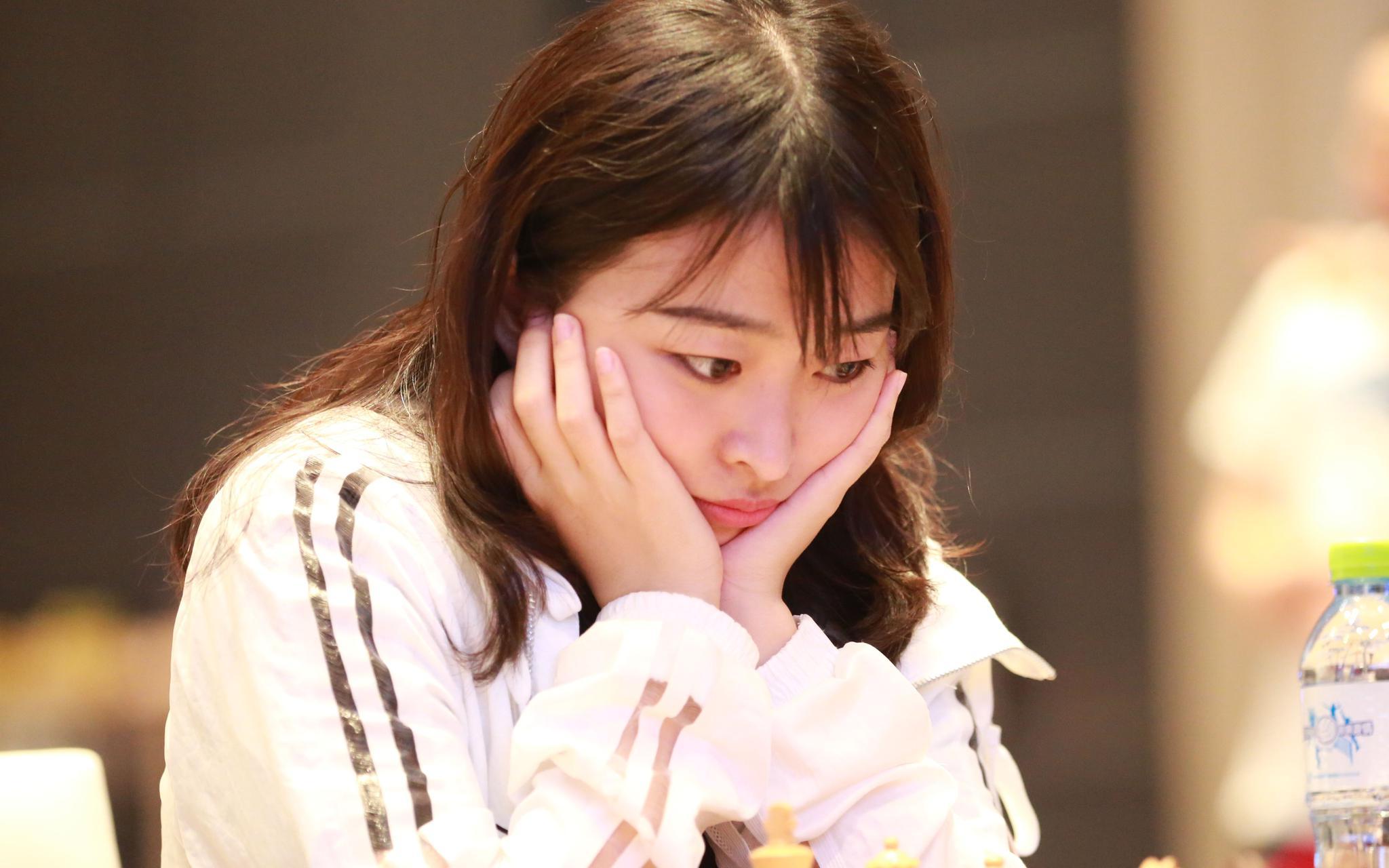 女子国际象棋世界冠军对抗赛,居文君首胜占先机