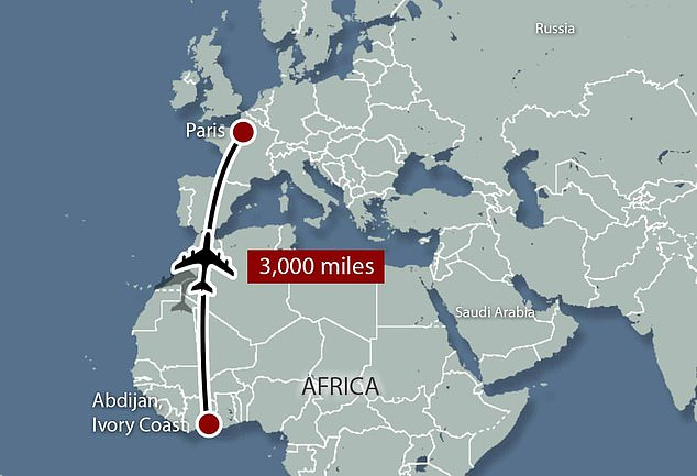 客机从西非科特迪瓦阿比让起飞。(图源:《每日邮报》)