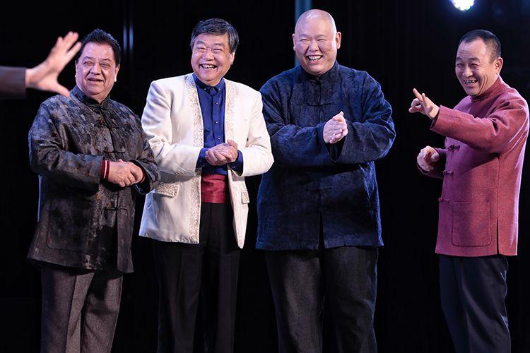 曲艺家走基层 京韵大鼓传统相声讲反腐故事图片