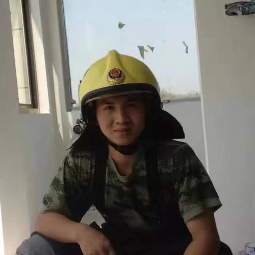 """曾参与扑救天津港大爆炸,96年小伙投入第2357次""""战斗"""""""