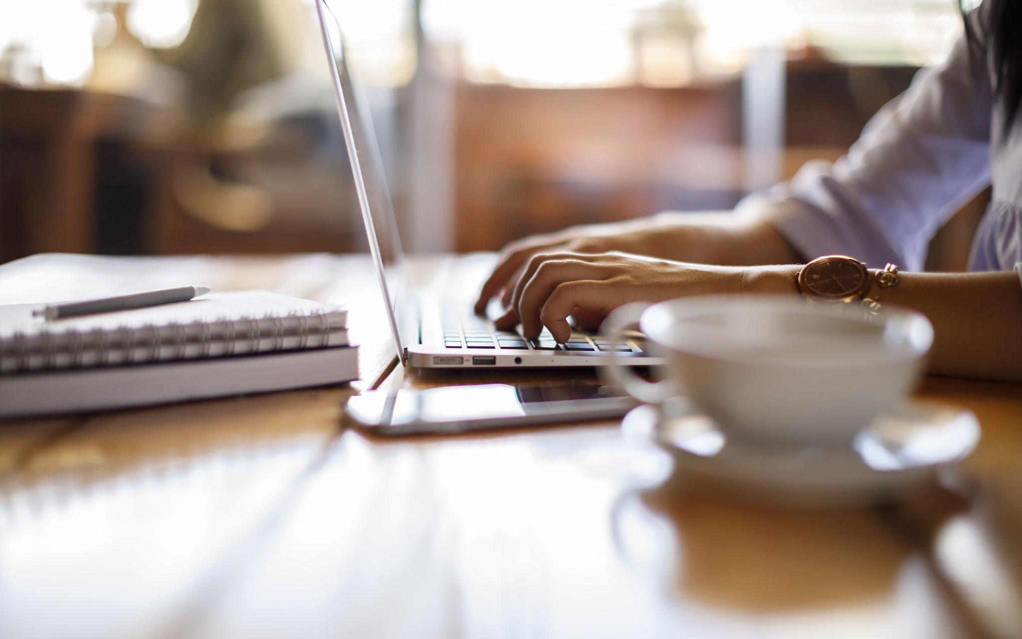 私募居家办公:电话取代实地调研,网速比撸猫还耽误事图片