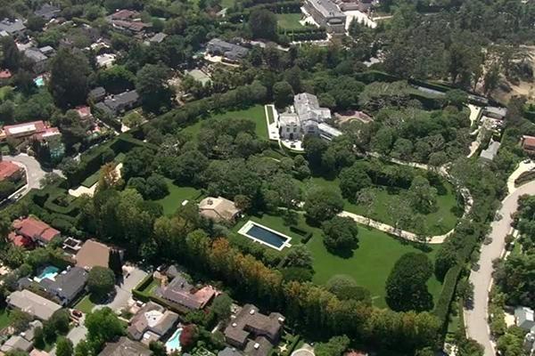 1.65亿美元!世界首富贝索斯买下洛杉矶比弗利山最贵豪宅