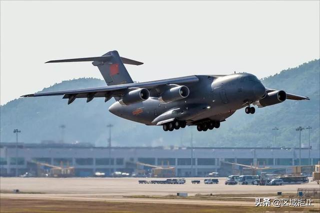 6架运20抵达武汉,卸下大批医疗物资,运输能力令人刮目相看