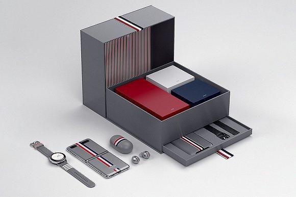 Thom Browne与三星推合作款折叠手机图片