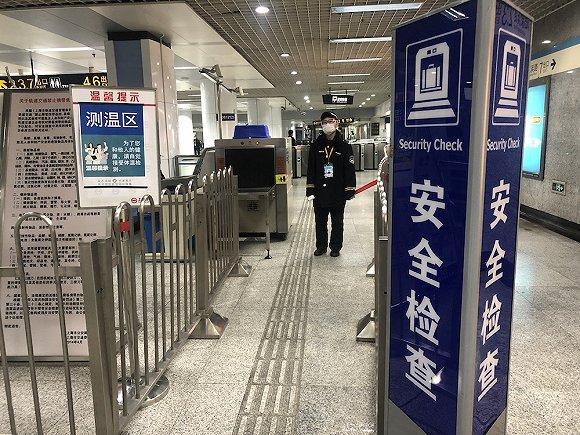 上海市内公共交通有序恢复 日均客流已恢复至同期一半