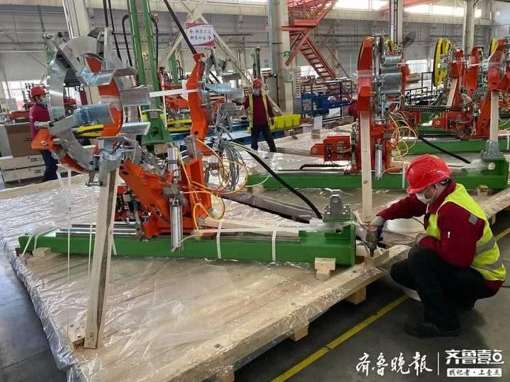 复工复产!青岛软控第一批硫化机设备发往南亚