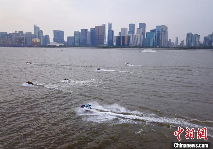 杭州钱塘江沿岸。(资料图) 萧宣 供图