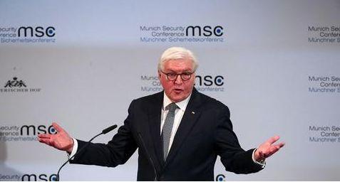 """德国总统当蓬佩奥面驳斥""""美国优先"""":伤害了所有人"""