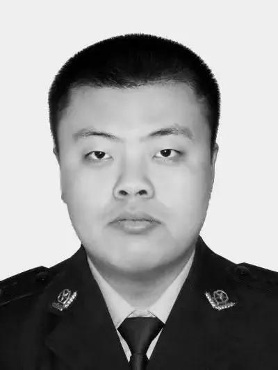国务委员、公安部部长赵克志签署命令,追授他为二级英模图片