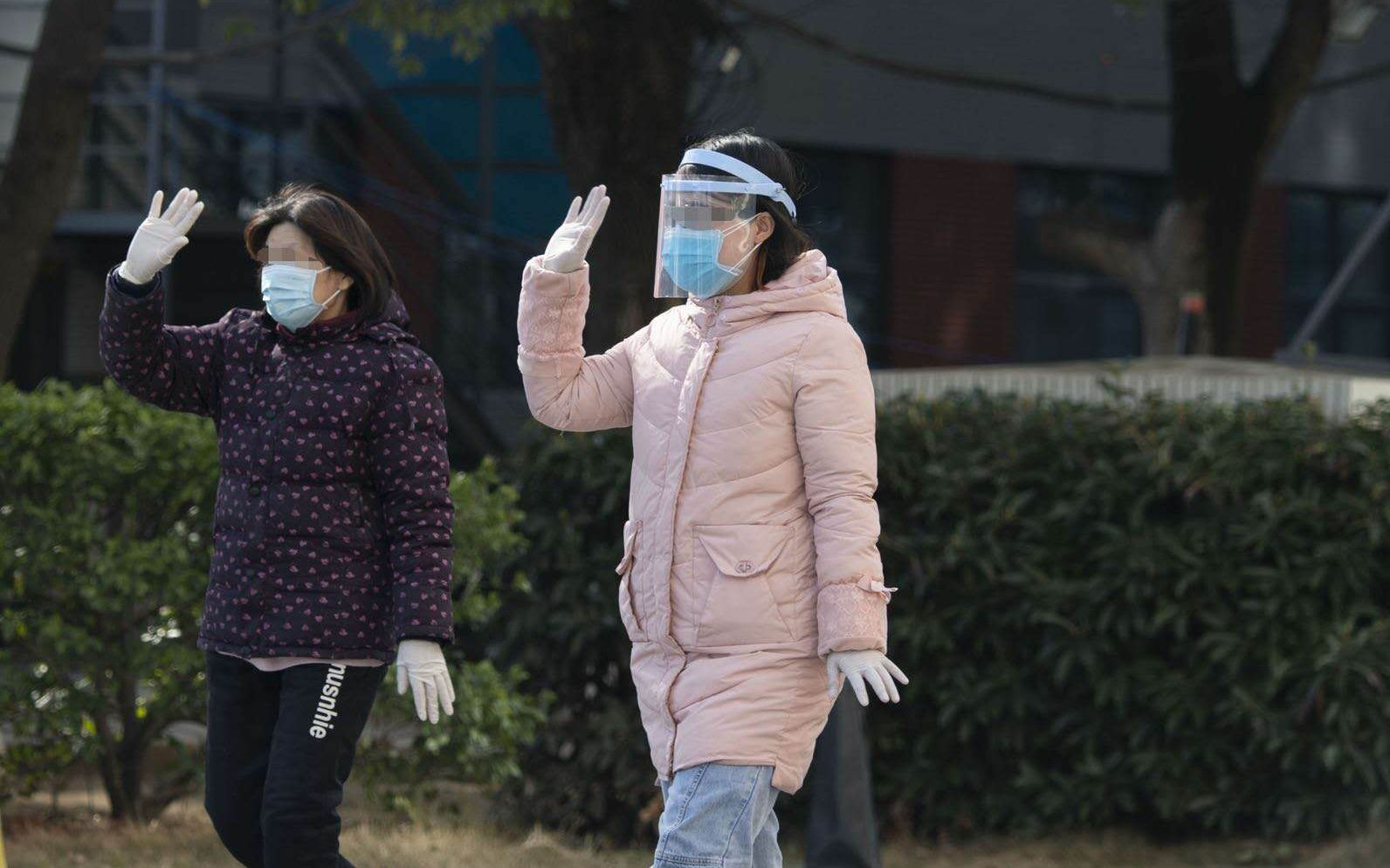 北京医疗队收治的两名重症患者 今日办理出院图片