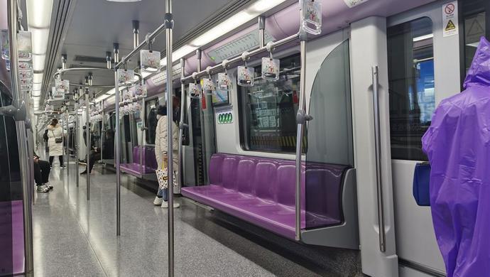 复工首周上海地铁日均客流降九成,测温防控再升级