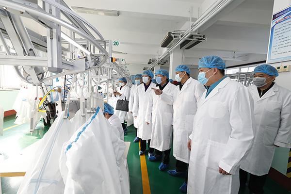 新兴际华生产型企业75%复工:日产各类防护服5.68万套