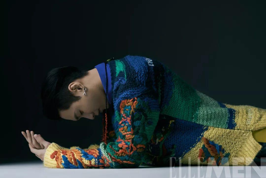 张艺兴:男人终归是少年