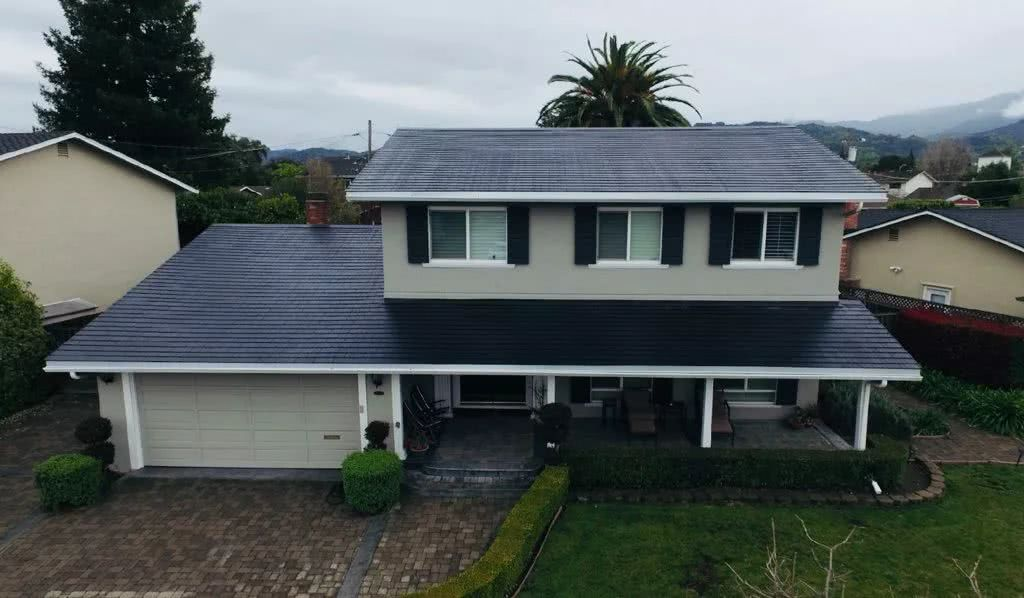 <strong>马斯克宣布特斯拉太阳能屋顶业务</strong>
