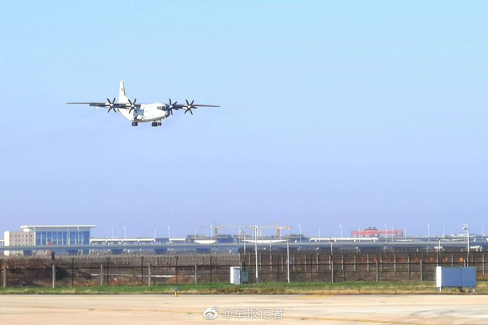 20再向武汉空运军队支援