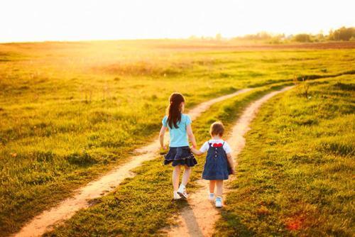 《囧妈》:妈妈的心理边界模糊,是孩子痛苦叛逆抗拒的根源