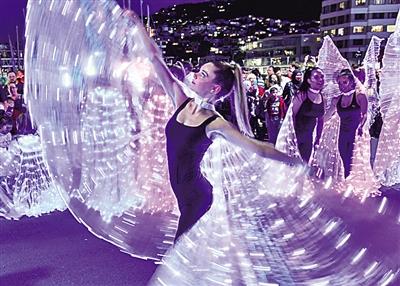 新西兰首都惠灵顿举办彩灯节