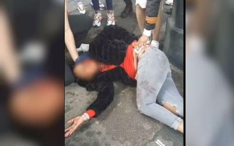 巴黎地铁内直播杀人?三女持刀围攻友人血溅当场