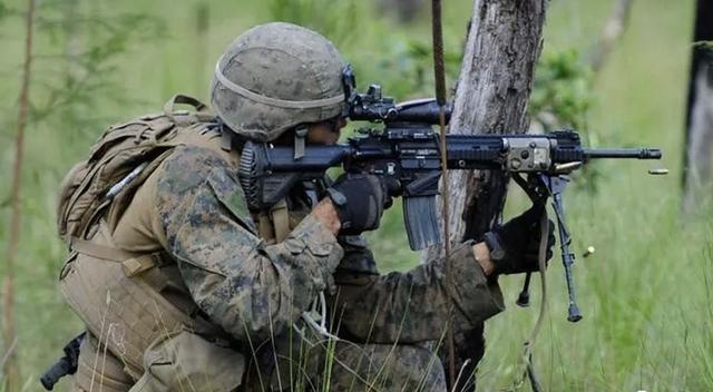 95班机无法对抗M249?美军却要换装新枪,这波操作稳不稳