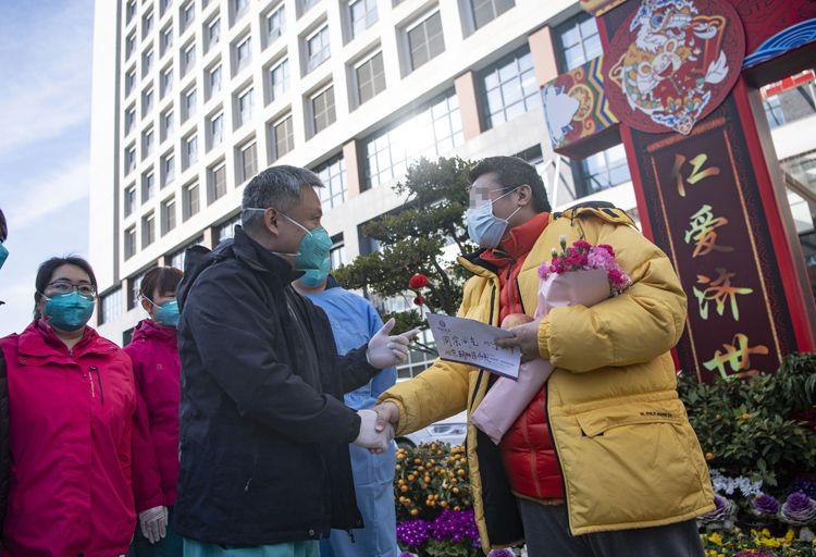 北京医疗队又治愈4名患者!其中一位是台胞|组图图片