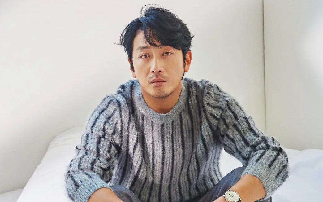韩警方确认演员河正宇正在接受调
