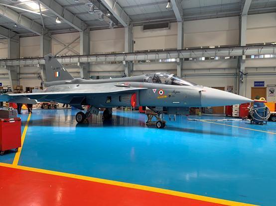 试飞员:光辉战机室内空调舒适,设计十分贴心,并没有想象中落后
