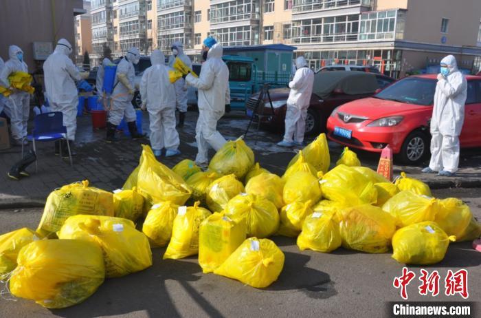 内蒙古一小区9人确诊新冠肺炎 2000居民全封闭下生活图片