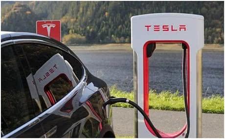 """特斯拉欲摆脱依赖自研电池,此举将掀起怎样的""""风浪""""?"""