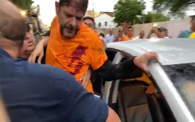 巴西警察罢工游行引骚乱 议员开推土机驱逐遭枪击