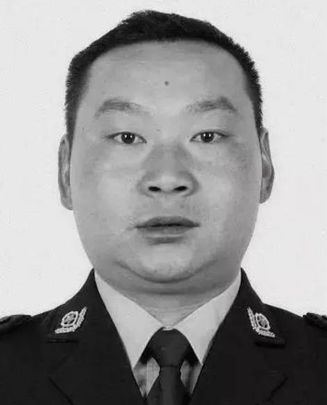 云南永善一名公安民警牺牲在疫情防控一线 年仅39岁图片