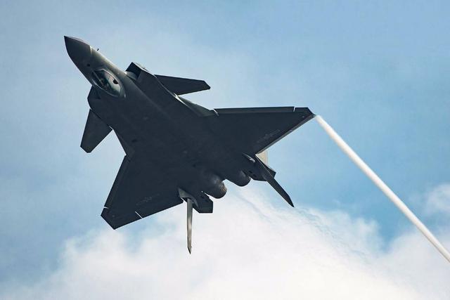 俄军方大力推销五代战机,中国或将是新买家,给歼20寻找好伙伴