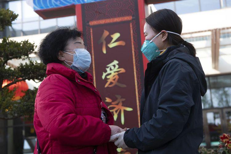 武汉协和医院西院今日又有3名新冠肺炎患者治愈出院图片