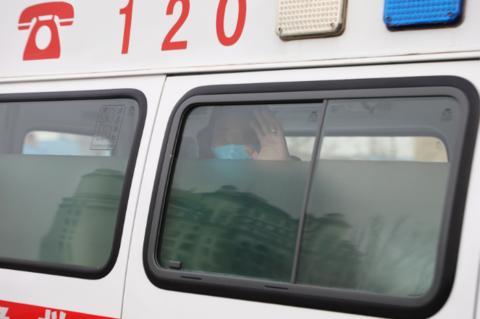 内蒙古首例危重症新冠肺炎患者在满洲里治愈出院
