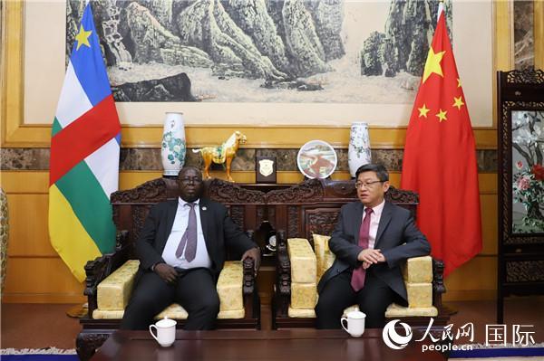 中非国民议会第一副议长 :相信伟大的中国人民必将战胜疫情